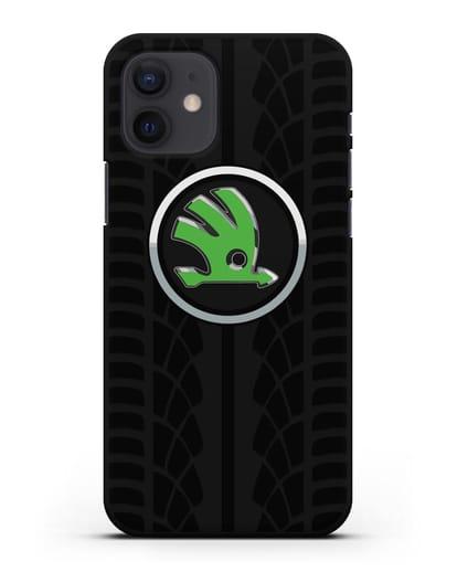 Чехол с эмблемой Skoda с протектором шин силикон черный для iPhone 12